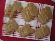 Cut Out Sugar Cookies (Dairy-Free!) - I'll skip the canola oil and use avocado oil instead or maybe replace all fats for butter!!!! ;)