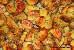 Één van mijn favoriete gerechten van Nigella Lawson is Italiaanse aardappeltjes uit de oven. Ik vond deze in haar nieuwste boek Nigellissima. Het recept is erg eenvoudig, maar het smaakt alsof je e… Vegetarian Recipes, Cooking Recipes, Nigella Lawson, How To Cook Potatoes, No Cook Meals, I Foods, Food Inspiration, Italian Recipes, Love Food