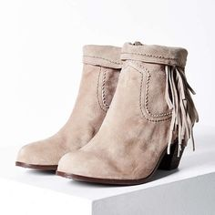 Sam Edelman Louie Booties Urban Outfitters worn 4x. in excellent condition. sold by urban outfitters, still online at full price!! get yours here for a steal! Urban Outfitters Shoes Ankle Boots & Booties