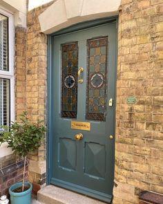 Teal Front Doors, Painted Front Doors, Front Door Colors, Glass Front Door, Front Door Porch, House Front Door, Stained Glass Door, Leaded Glass, Exterior Doors