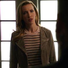 Laurel: Gray Suede Jacket Grey Suede Jacket, Leather Jacket, Black Siren, Dinah Laurel Lance, Supergirl 2015, Lance Black, Black Lightning, Most Beautiful People, Batwoman