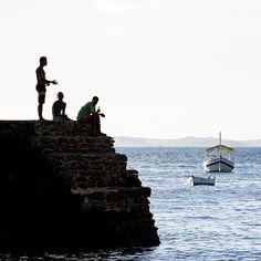 A capital baiana é repleta de #LugaresInspiradores . Um deles é a Praia Porto da Barra entre os Fortes Santa Maria e São Diogo. Lá é um dos poucos lugares no Brasil onde o poente ocorre sobre o mar e assim você consegue apreciar um belíssimo pôr do sol. Confira mais #LugaresInspiradores como esse em @TIMBrasil. #TIMBrasil #Publi Repost de @mmcredie.