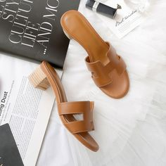 #chiko #chikoshoes #handbags #fashion #fashionable #style #lookbook #fall #winter #autumn #new #best #streetstyle #chic #trend #streetfashion #sandals #slides #colorful #trendy #summer #2018 #spring #stylish #geometry #cutout