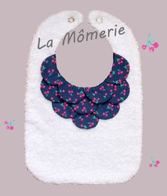 Wall Baby Shower Gifts To Make, Diy Baby Gifts, Baby Couture, Couture Sewing, Fashion Sewing, Kids Fashion, Funny Baby Bibs, Baby Bibs Patterns, Bib Pattern
