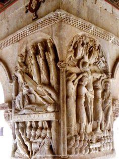 Santo Domingo de Silos detalle capitel claustro Burgos, Spain Romanesque Art, Romanesque Architecture, Historical Architecture, Ancient Architecture, European History, Art History, Free Standing Sculpture, Graven Images, Foto Madrid