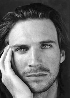 Ralph Fiennes (aka Lord Voldemort)