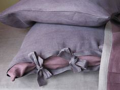Duvet cover King and two pillowcases in pure linen My Purple Provence Dream by Lovely Home Idea. Shop at: www.nl Exclusive delivery in the Netherlands, Belgium and Germany. Linen Bed Sheets, King Sheets, Linen Duvet, Duvet Bedding, Linen Fabric, Euro Pillows, Euro Shams, Flax Plant, All Things Purple