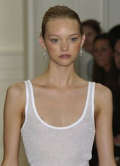 Gemma Ward in Ralph Lauren Spring 2005 Ethereal Makeup, Gemma Ward, Ralph Lauren, Model Face, Look Cool, Female Models, Supermodels, Runway Fashion, Makeup Looks