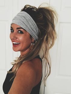 side braid hairstyles which are simply spectacular 19 Chelsea Houska, Side Braid Hairstyles, Bandana Hairstyles, Scarf Hairstyles, Hairstyles With Headbands, Wedding Hairstyles, Bandana Updo, Long Fringe Hairstyles, Fall Hairstyles