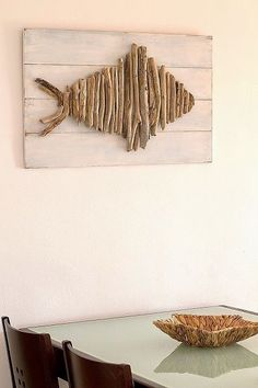 DIY Coastal Decor: How to Make a Seashell Windchime or Wall Hanging - Driftwood 4 Us Driftwood Fish, Driftwood Wall Art, Driftwood Projects, Driftwood Ideas, Decorating With Driftwood, Deco Nature, Beach Crafts, Kids Crafts, Fish Art
