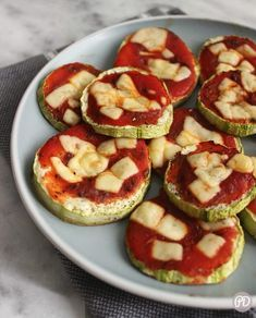Healthy Recepies, Healthy Dinner Recipes, Vegetarian Recipes, Mini Appetizers, South Beach Diet, Eat Right, Caprese Salad, Bon Appetit, Lunch