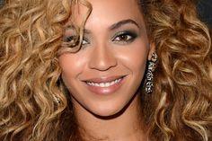 Looks inspiradores: famosas de olhos escuros mostram como é possível variar a maquiagem - Beleza - UOL Mulher