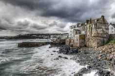 Risultati immagini per saint ives cornwall Cornwall England, St Ives Cornwall, Devon And Cornwall, England Ireland, England And Scotland, Great Places, Places To Visit, Amazing Places, Stormy Sea