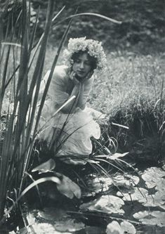 In Greek mythology, the Naiads  were a type of water nymph (female spirit) who presided over fountains, wells, springs, streams, brooks and other bodies of fresh water.  (Photo:Im Schilf ,1903 by Constant Puyo)