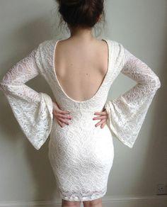 Beautiful lace boho 1970's style dress from H and M. Find out more at www.sheepishlyshameful.com #fashion #fashionbloggers #lace #dress #eveningdress #vintage #handm #boho #backless