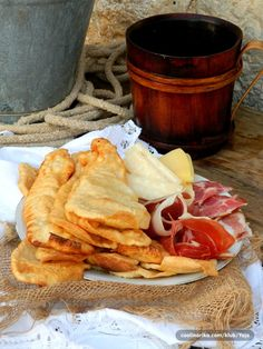 originalni sinjski uštipci-sssilvy — Coolinarika Good Morning Breakfast, Snack Recipes, Snacks, Bakery, Chips, Food And Drink, Desserts, Events, Bread Baking