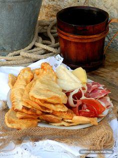 originalni sinjski uštipci-sssilvy — Coolinarika Cake Recipes, Snack Recipes, Snacks, Good Morning Breakfast, Turu, Meal Prep, Bakery, Chips, Food And Drink