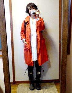 モコーデ: DANTONの赤いコートで雨コーデ 3月9日