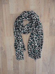Pashmina animal print #PocoUso #ModaSustentable. Compra esta prenda en www.saveweb.com.ar!