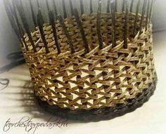 мастер-класс корзинки Newspaper Basket, Newspaper Crafts, Upcycled Crafts, Diy And Crafts, Arts And Crafts, Willow Weaving, Basket Weaving, Burlap Bow Tutorial, Contemporary Baskets