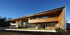 Love the shape and wood cladding. Tinbeerwah residence by Richard Kirk Architect