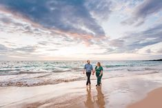 Engagement Session Photographers at Hapuna Beach — Wilde Sparrow Photography Co Couples Beach Photography, Photo Poses For Couples, Couple Picture Poses, Couple Posing, Engagement Photography, Hawaii Honeymoon, Hawaii Vacation, Couple Poses Reference, Honeymoon Pictures