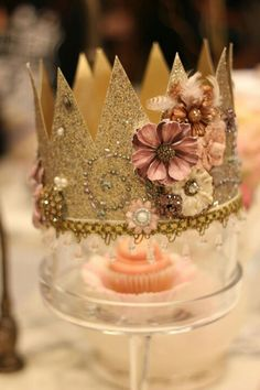 Yassss Diy Birthday Crown, Girl Birthday, Birthday Parties, Birthday Crowns, Party Queen, Princess Party, Senior Crowns, Crown Centerpiece, Crown Images