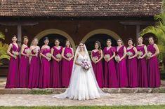 Elegir el color para los vestidos de tus #damas puede ser algo complicado. ¿Cuánto es tu #boda? Asegúrate de conocer los colores de la temporada antes de hacer tu elección. #wedding #novia #bride #trends #vestido