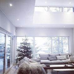 Christmas and snow - love it #myhome #mitthjem #instahome #instadesign #asafotoninspo #passion4interior #scandinaviandesign #nordicinspiration #interior123 #interior125 #interior444 #interiørmagasinet @interior_magasinet #rom123 @rom123egmont #finahem #vakrehjem #levlandlig #minimalistic #moderndesign #modernhome #inspire_me_home_decor #interior_and_living #onlyinterior #ssevjen #casachic #nordicliving #hlt #homedecor #interiordetails by modernefunkishjem