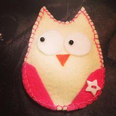 #adorno de #buho con #fieltro #owl #diy #allgoodthings #pituserias