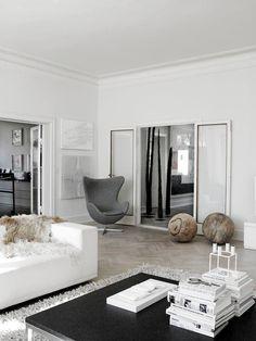living room | arne jacobsen | egg chair //