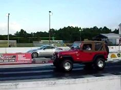 Jeeps Racing: Turbo Jeep Wrangler races against 350 Nissan