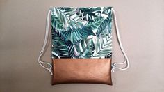 Praktischer Turnbeutel: Rucksack mit tropischen Palmenmuster sorgt für Urlaubsstimmung / convenient gym bag: backpack with tropical palmtree pattern reminds of summer holidays made by hauptstadtmaedchen via DaWanda.com