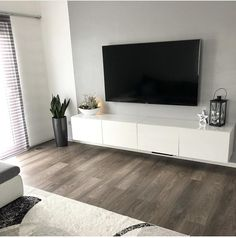 Wohnzimmer dekor Buying Petite Clothing Made Easy All you girls and under, fight for your righ Living Room Setup, Living Room Decor Cozy, Living Room Interior, Home Living Room, Living Room Designs, Bedroom Decor, Ikea Bedroom, Apartment Interior, Small Apartment Living