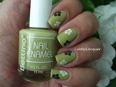 LuvMyLacquer: Floral Mani With Bettina Ortensia - Love it!