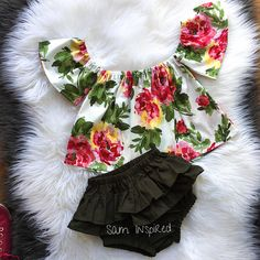 This sweet floral outfit is perfect for any special occasion. floral pattern. 2 pieces All of my items are made with quality fabrics and professional finishes. SIZZING Newborn to 3months 3months to 6months 6months to 9months 9months to 12months 12months to 18months 18months to