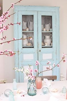 Love this Shabby Chic Pale Blue Cabinet - Benjamin Moore color match per owner: Oil based formula for a quart size can of paint ~Pastel Base~ 1 oy, 5 bk, 2 bb, 7 tg, 2 wh) Painted China Cabinets, Blue Cabinets, Painted Hutch, Diy Cupboards, House Of Turquoise, Pink Turquoise, Cosy Home, Blog Deco, French Farmhouse