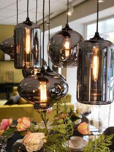 Led Lighting Home, Dining Room Lighting, Living Room Wall Units, Cute Room Decor, Interior Decorating, Interior Design, Furniture Layout, Light Fixtures, Diy Home Decor