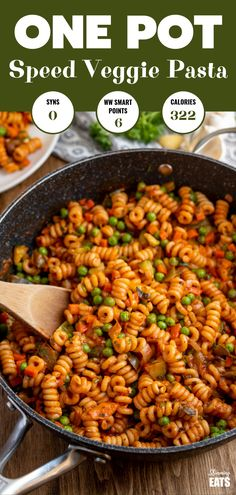 Delicious Syn Free One Pot Speed Pasta - a perfect quick meal for the whole family to dig in enjoy. Dairy free, vegetarian, Slimming World and Weight Watchers friendly One Pot Vegetarian, Vegetarian Pasta Recipes, Easy Pasta Recipes, Vegan Dinner Recipes, Veggie Recipes, Easy Meals, Vegetarian Italian, Vegetarian Dinners, Vegetarian Cooking