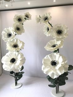 Awesome diy flowers hacks are offered on our site. Read more and you wont be sorry you did. Giant Paper Flowers, Large Flowers, Crepe Paper Flowers Tutorial, Beauty Salon Decor, Anemone Flower, Paper Flower Wall, Flower Making, Wedding Flowers, Marie