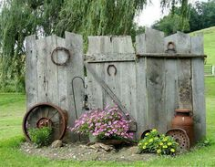 DIY Garden Wall Made Out Of Recycled Picket Fencing