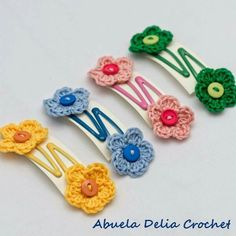 Menos es más. Flowers, crochet for hair