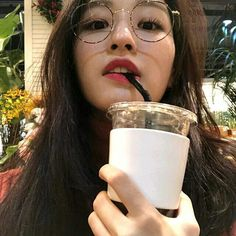 Read Shin Yeeun ( Yene from the story Ulzzang List by checkmeeh (Yours) with reads. Ullzang Girls, Ullzang Boys, Aesthetic Korea, Aesthetic Girl, Ulzzang Glasses, List Of Girls Names, Ulzzang Korean Girl, Ulzzang Style, Bts Aesthetic Pictures