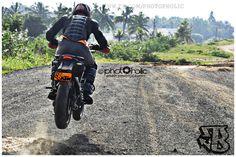 KTM DUKE 200 Ktm Duke 200, Dirtbikes, Sport Bikes, Motogp, Golf Bags, Motocross, Motorcycles, Wheels, Cars