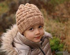 Hnědá čepice z alpaky s přetahovanými oky (fotonávod) Winter Hats, Crochet Hats, Knitting, Blog, Eye, Gingham Quilt, Caps Hats, Crocheted Hats, Tricot