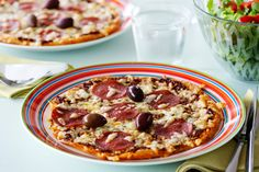 Low-Carb Pizza - Ingredients   2 servings 4 eggs 6 oz. (175 g) shredded cheese, mozzarella or provolone Topping 4 tablespoons tomato paste 1 teaspoon oregano 4 oz. (120 g) shredded cheese 2 oz. (50 g) pepperoni Olives
