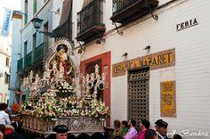 Las Fotografías de Bandera: Morenita y Pequeñita, una Aceituna bendita