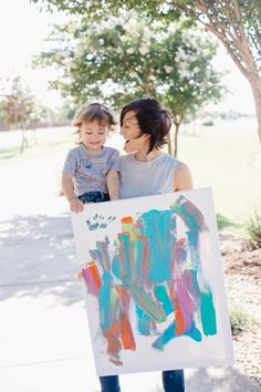 holiday gift idea - DIY canvas painting | The Fashion Barr | toddler art | toddler activities | personalized gifts | holiday gift | DIY home decor