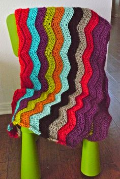 Free chevron crochet blanket pattern