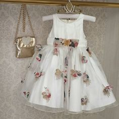 Одноклассники Frock Design, Little Girl Dresses, Girls Dresses, Flower Girl Dresses, Dope Outfits, Outfits For Teens, Party Wear Frocks, Kids Party Wear, Frock Patterns